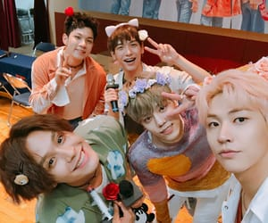 n.flying and kpop image