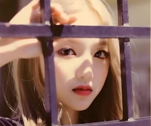 gowon, kpop, and loona image