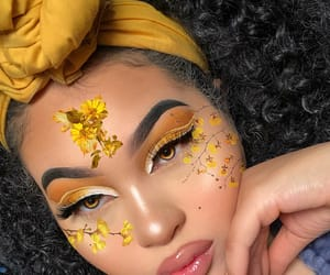 pretty, yellow, and boujiebarb image
