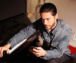 30 seconds to mars, cellphone, and jared leto image