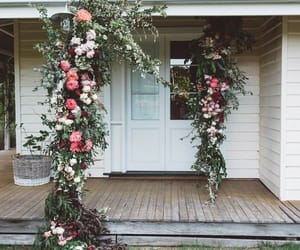 country, decor, and garlands image