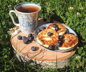 pancakes and tea image
