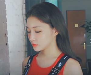 kim chungha, chungha, and 김청하 image