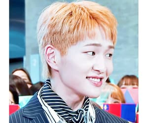 gif, k-pop, and Onew image