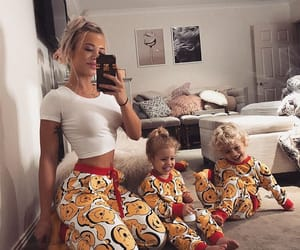 beautiful, family, and outfit image