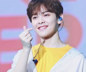 nine percent, you zhangjing, and idol producer image