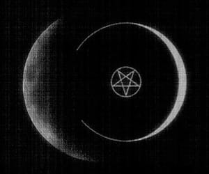 moon and pentagram image