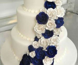 cake and flowers image