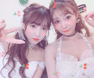 girls, cute, and honey popcorn image
