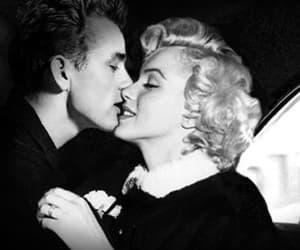 Marilyn Monroe, kiss, and james dean image