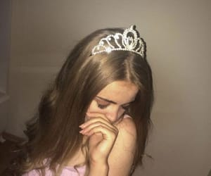 aesthetic, crown, and girl image