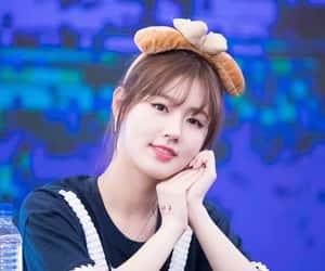 girl, kpop, and miyeon image
