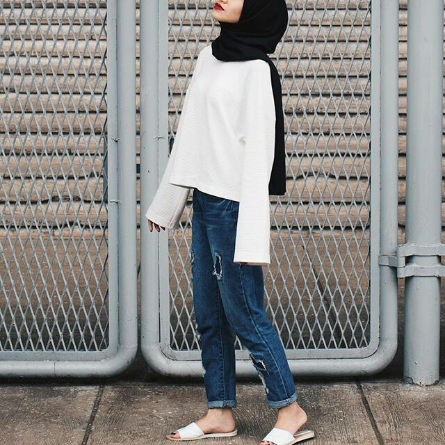 clothes, simple, and hijab image