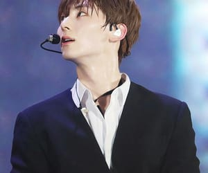 purple, minhyun, and concert image