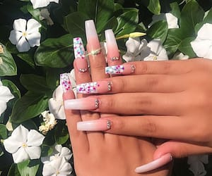 nail art, glamour+glam+luxury, and nails+claws+goals image