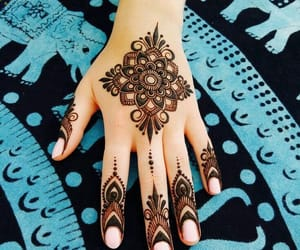 eid mubarak, girly, and henna image