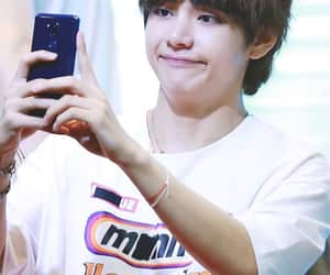 fansign, taehyung, and bts image