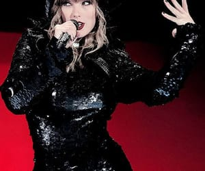Taylor Swift and reputation stadium tour image