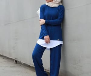 sporty, hijab, and athleisure image