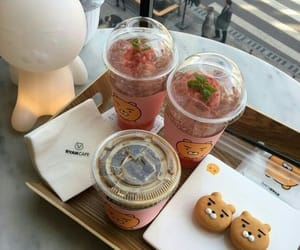 coffee, strawberrys, and cutem image