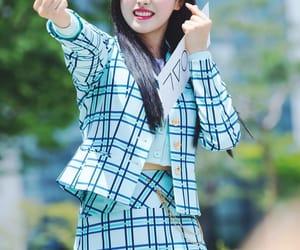 k-pop, korean, and 올리비아혜 image