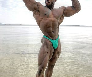 bodybuilder and bodybuilding image