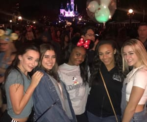 chloe, niasioux, and Kendall image