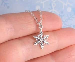 necklace, snowflake, and jewelry image