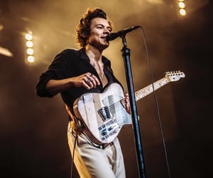 Harry Styles, one direction, and concert image
