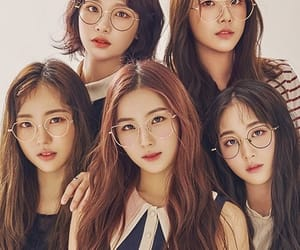 bella, karin, and hyeseong image