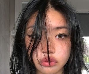 pretty, ulzzang girls, and freckles image