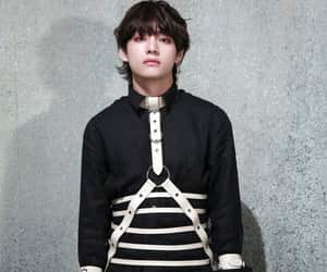 v, kim taehyung, and bts image