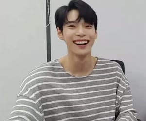 lq and doyoung image