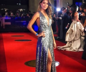 dress, martin fierro 2018, and red carpet image
