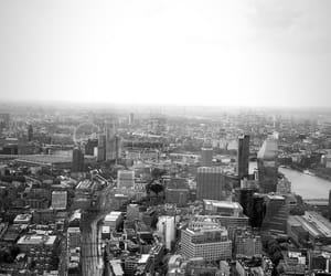 black and white, london, and skyline image