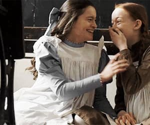 anne shirley, friends, and anne with an e image