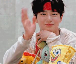 gif, jeongin, and i.n image