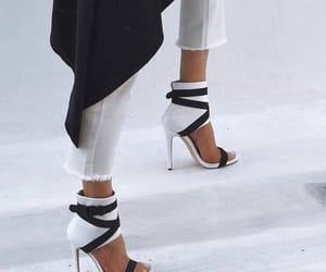 black, moda, and sandals image