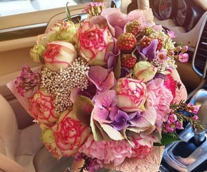 beautiful, blogger, and bouquet image