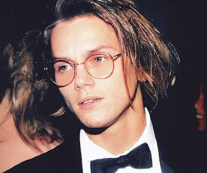 river phoenix, actor, and 90s image