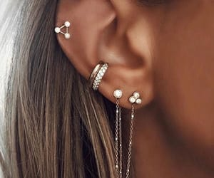accessories, earrings, and jewels image