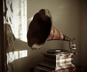 music, vintage, and aesthetic image