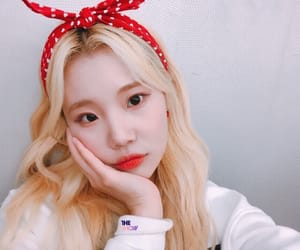 kpop, jooe, and momoland image