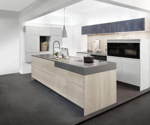 kitchen appliances and splashback image