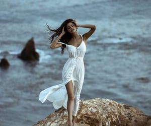 model and elina fedorova image