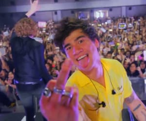 cal, calum, and 5 seconds of summer image