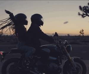 couple, sunset, and gif image