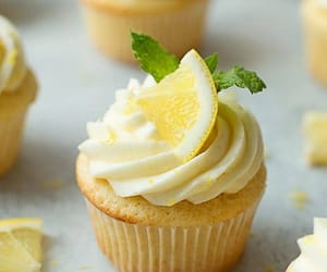 cupcakes, food porn, and delicious image
