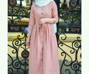 muslim wear, hijabi blogger, and modest fashion image