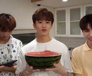 mark, dreamies, and vlive image
